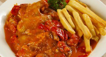 A Lorcha: African Chicken