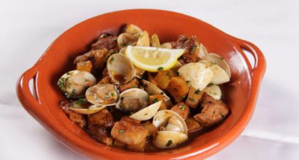 Flamingo: Fried pork and potatoes with clams in white wine sauce
