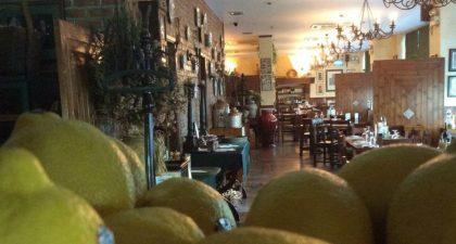 Restaurante Italiano Antica Trattoria: Seating